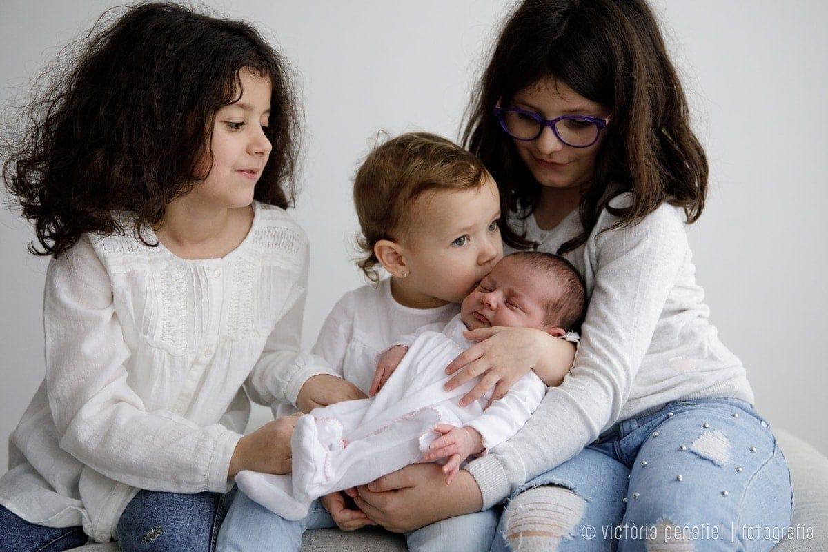 Tres hermanas y bebé