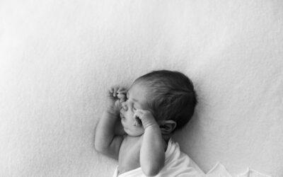 Cómo hacer que tu bebé se duerma (sin dormirte tú)